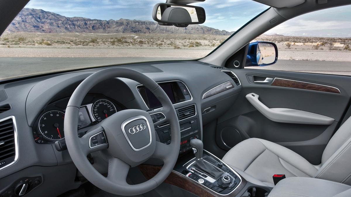 Посмотреть фото машины audi q5 интерьер экстерьер