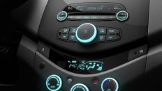 Фото салона Chevrolet Spark (Шевроле Спарк) / Base<br><span> 1.2 / 84&nbsp;л.с. / Механика&nbsp;(5&nbsp;ст.) / Передний привод</span>