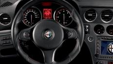 Фото салона Alfa Romeo 159 универсал / бензиновый / 2.2л. / 185л.с.