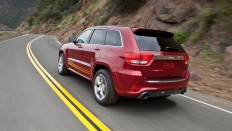 Фото экстерьера Jeep Grand Cherokee SRT8