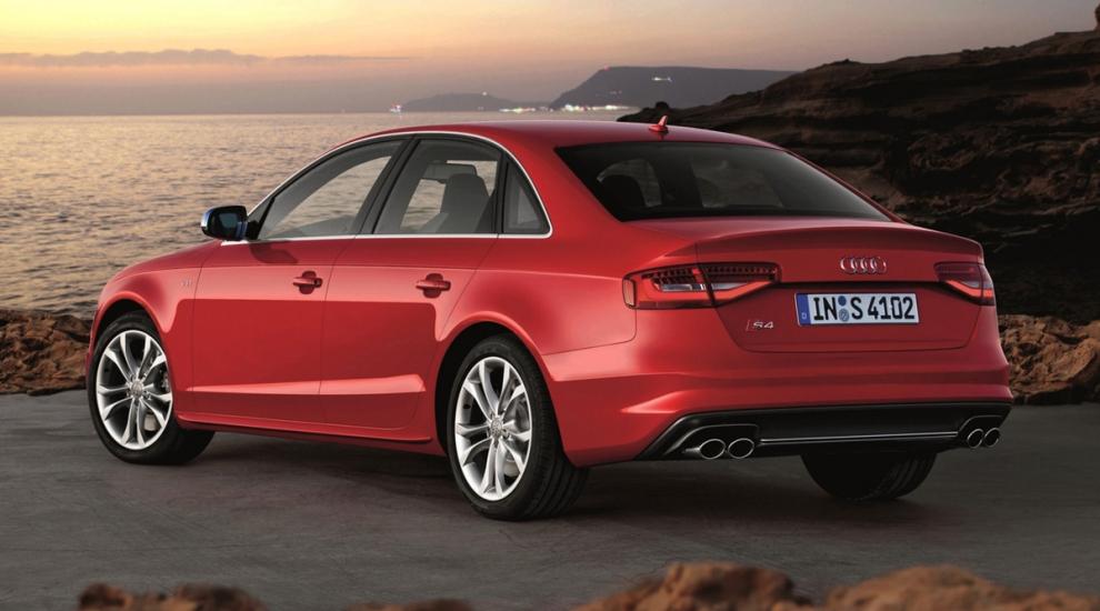 Фото экстерьера Audi S4