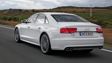 Фото экстерьера Audi S8