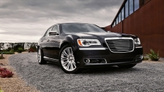 Фото экстерьера Chrysler 300C (Крайслер 300С) / Luxury Series<br><span> 3.6 / 286 л.с. / Автомат (8 ст.) / Задний привод</span>