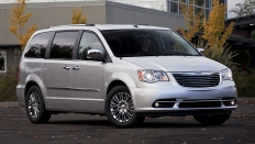Фото экстерьера Chrysler Grand Voyager