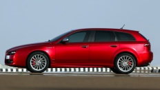 Фото экстерьера Alfa Romeo 159