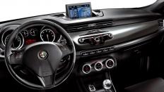 Фото салона Alfa Romeo Giulietta / робот