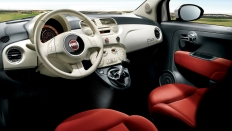 Фото салона Fiat 500 / бензиновый / 1.4л. / 100л.с.