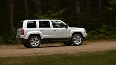 Фото экстерьера Jeep Liberty (Джип Либерти) / Limited<br><span> 2.4 / 170л.с. / Вариатор / Полный привод</span>