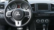 Фото салона Mitsubishi Lancer Evolution X
