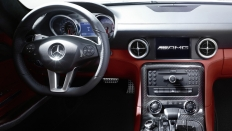 Фото салона Mercedes-Benz SLS AMG