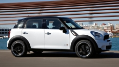 Фото экстерьера Mini Cooper S Countryman All4