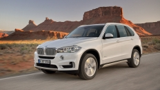 Фото экстерьера BMW X5 (БМВ Х5) / 35i Luxury Локальная сборка<br><span> 3.0 / 306л.с. / Автомат(8ст.) / Полный привод</span>