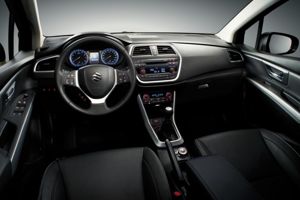 Салон Suzuki New SX4 2013 кроссовер