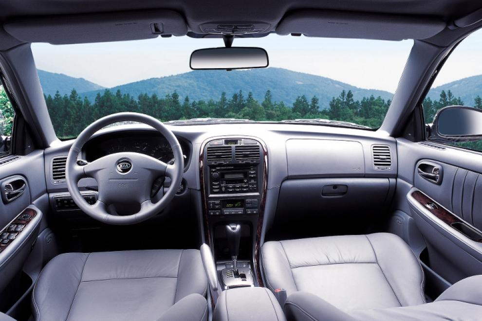 Kia Optima (Kia Magentis) первого поколения (2000-2005 года выпуска)