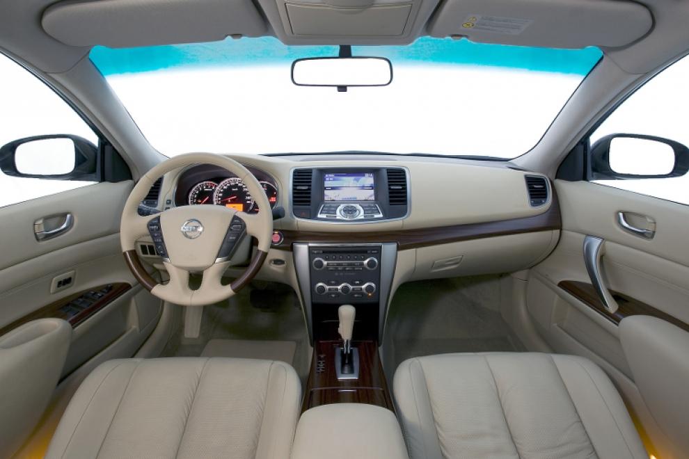 Салон Nissan Teana 2008 седан