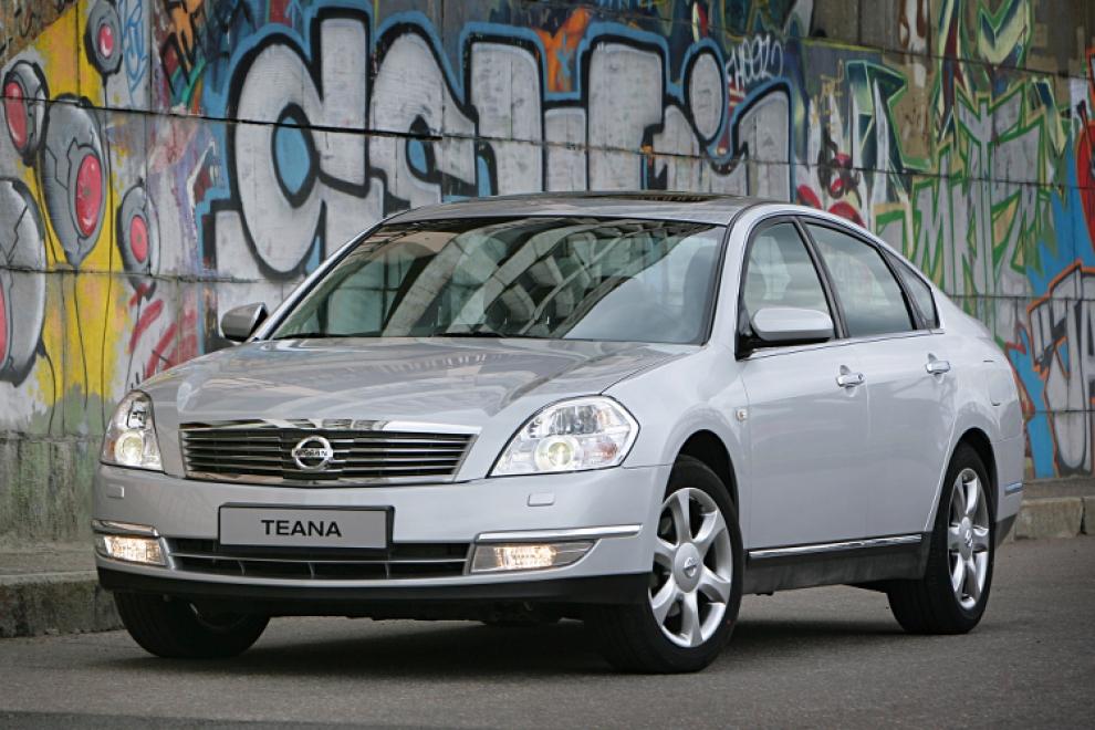 Nissan Teana 2003-2008 (Ниссан Теана 2003-2008) седан