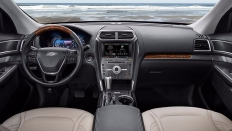 Фото салона Ford Explorer