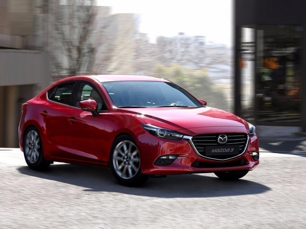 Фото Mazda 3 седан