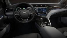 Фото салона Toyota Camry